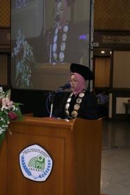 Dr. Hj. Qomariah Alwi, SKM, MMedSc